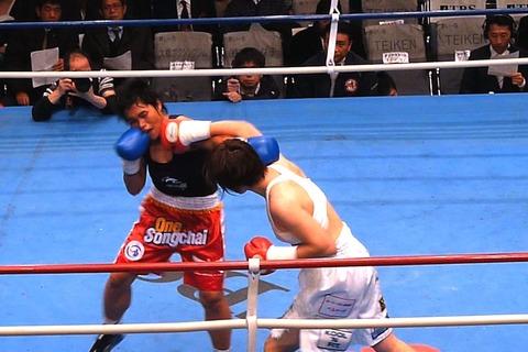 水谷智佳 vs ペットラムドゥアン