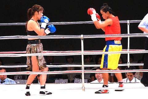隣井朝子 vs サイトンレック3