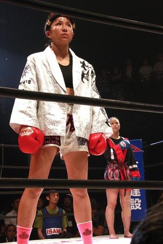 神村エリカ vs ハム・ソヒ