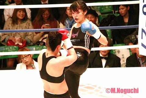吉田実代 VS ロレーナ・クライン