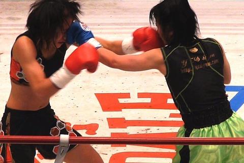 朱里 vs 三堀美弥子