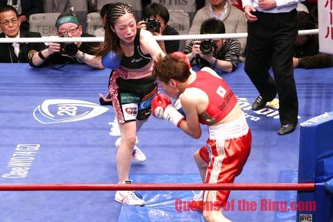 多田悦子 vs 黒木優子