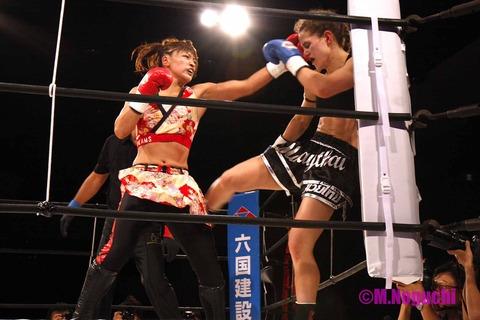 RENA vs キム・タウンセンド