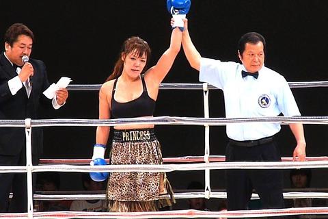 隣井朝子 vs サイトンレック6