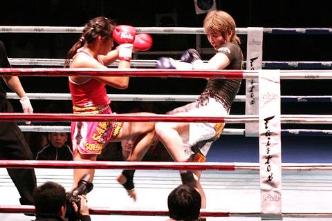 AZUMA vs サーオシン・ソーソピット