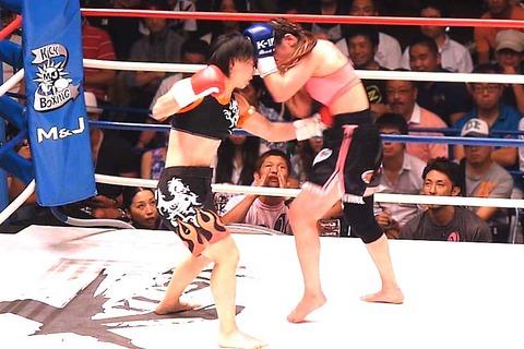 佐々木仁子 vs 桜朋梨恵