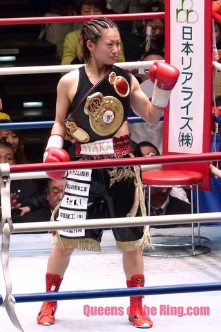 宮尾綾香 VS グレッチェン・アバニール